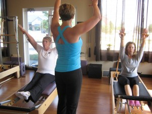 Is it better to do Pilates Mat classes or Pilates ...
