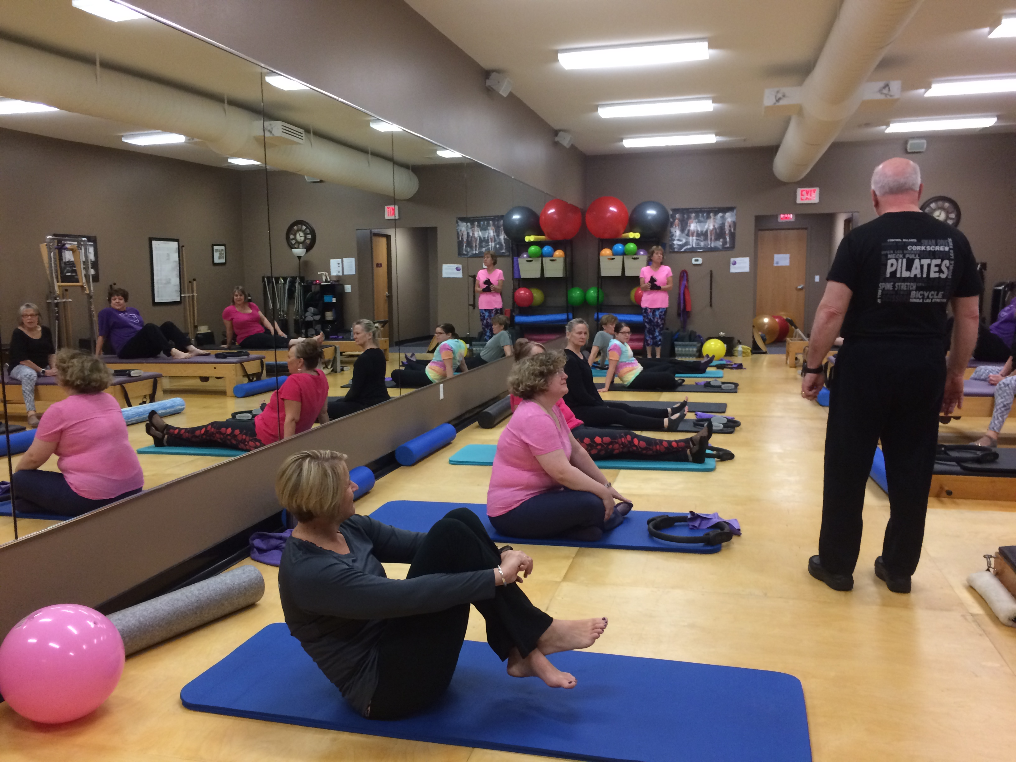 picture of people doing pilates